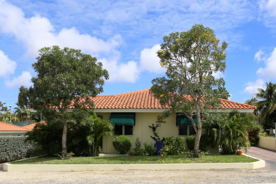 RE/MAX real estate, Curacao, Jan Thiel, Jan Thiel- Beautiful detached tropical home in a safe and quiet resort