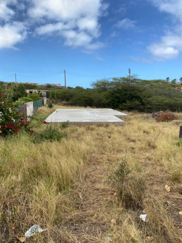 RE/MAX real estate, Curacao, Santa Catharina, St. Catharina - compact 331m2 lot in quiet neighbourhood