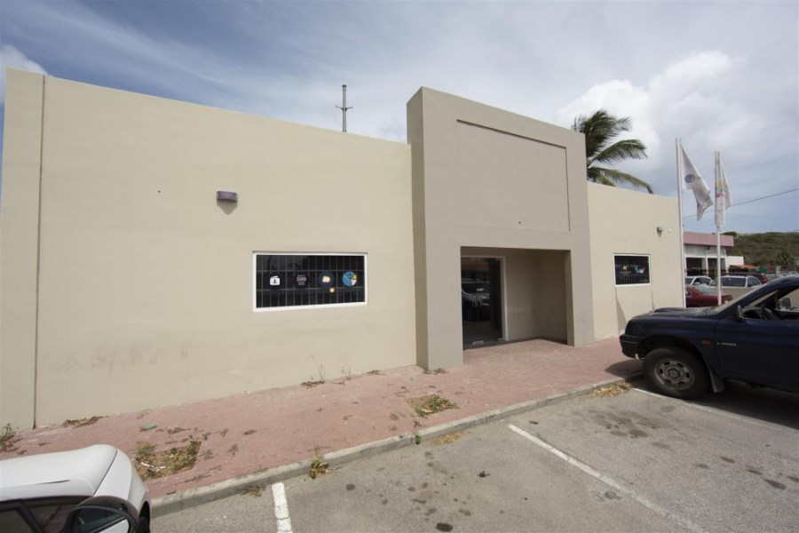 RE/MAX real estate, Curacao, Vredenberg, Vredenberg - Centrally located commercial space for rent