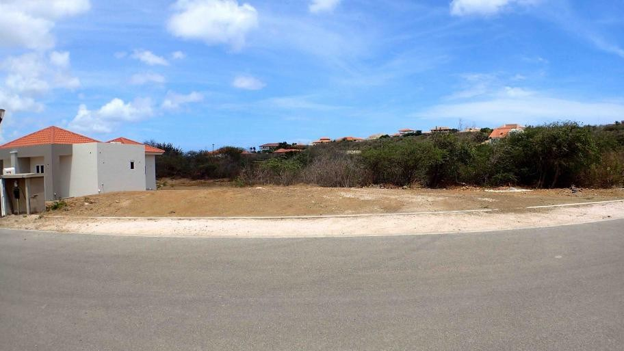 RE/MAX real estate, Curacao, Blue Bay, Blue Bay BD-20 - Lot for sale in Resort with view over the golf course