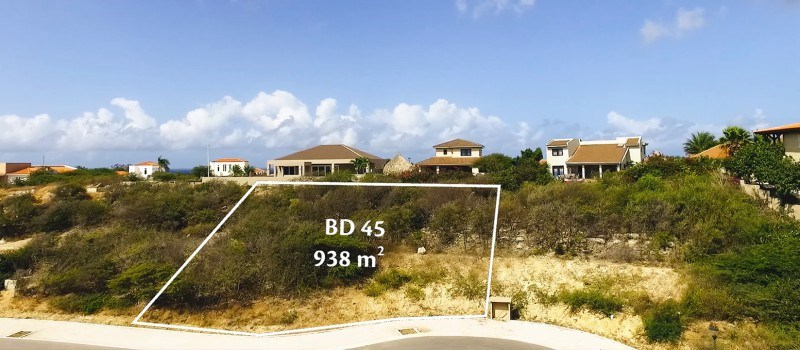 RE/MAX real estate, Curacao, Blue Bay, Blue Bay BD-45 - Beautiful lot for sale on a golf & Beach resort