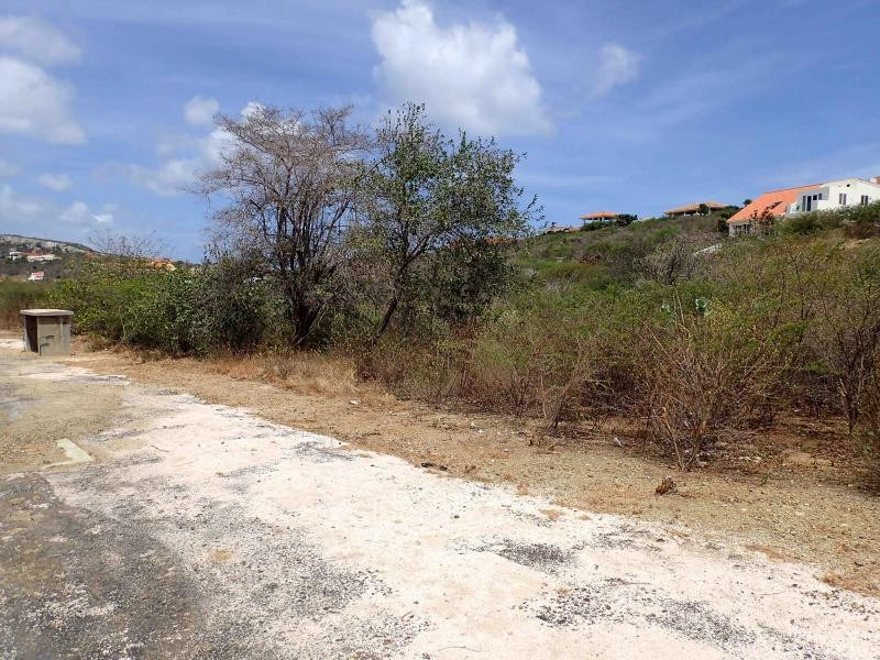 RE/MAX real estate, Curacao, Blue Bay Golf & Beach Resort, Blue Bay BD-41 - Spacious lot for sale on a golf & Beach resort