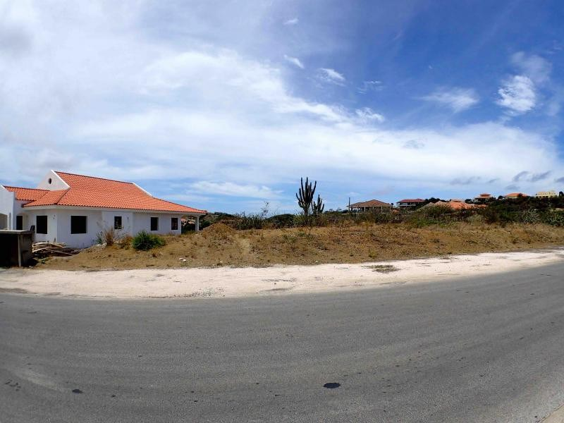 RE/MAX real estate, Curacao, Blue Bay Golf & Beach Resort, Blue Bay BD-33 - Spacious Lot for sale on gated golf resort with beach