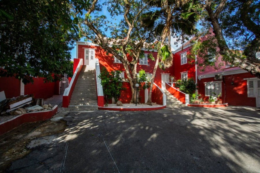 RE/MAX real estate, Curacao, Otrobanda, Huize Batavia - Investment object with a high potential return