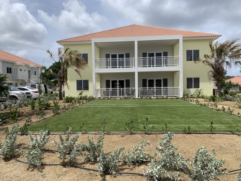 RE/MAX real estate, Curacao, Buskabaai, Spacious newly built apartment for sale on resort with large pool