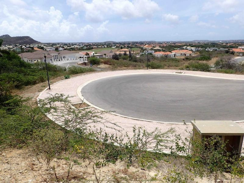 RE/MAX real estate, Curacao, Blue Bay Golf & Beach Resort, Blue Bay BD-44 - Spacious well located lot for sale on a corner