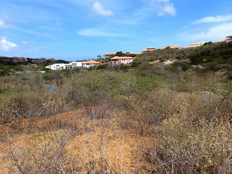 RE/MAX real estate, Curacao, Blue Bay, Blue Bay BD-38 - Build your dream house on a centrally located lot