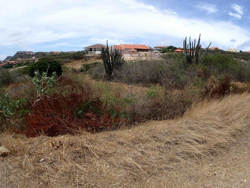 RE/MAX real estate, Curacao, Blue Bay, Blue Bay BD-34 - Centrally located lot on a golf & beach resort