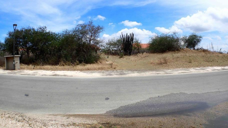 RE/MAX real estate, Curacao, Blue Bay, Blue Bay BD-27 - Spacious lot for sale with view over the golf course