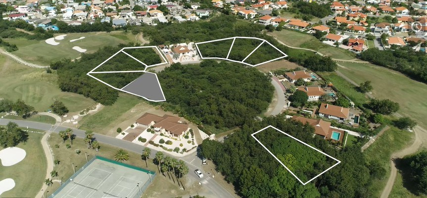 RE/MAX real estate, Curacao, Blue Bay Golf & Beach Resort, Blue Bay BJ-14 - Lot for sale at hole 3 to build your dreamhouse