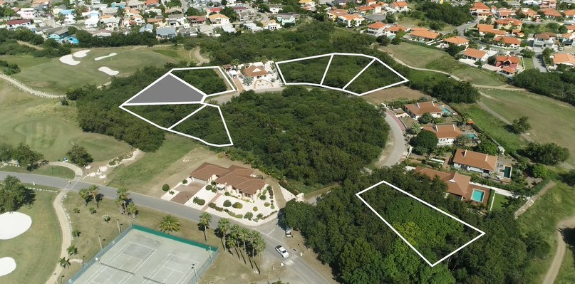 RE/MAX real estate, Curacao, Blue Bay Golf & Beach Resort, Blue Bay BJ-12 - Large lot for sale with views over hole 3 and 8