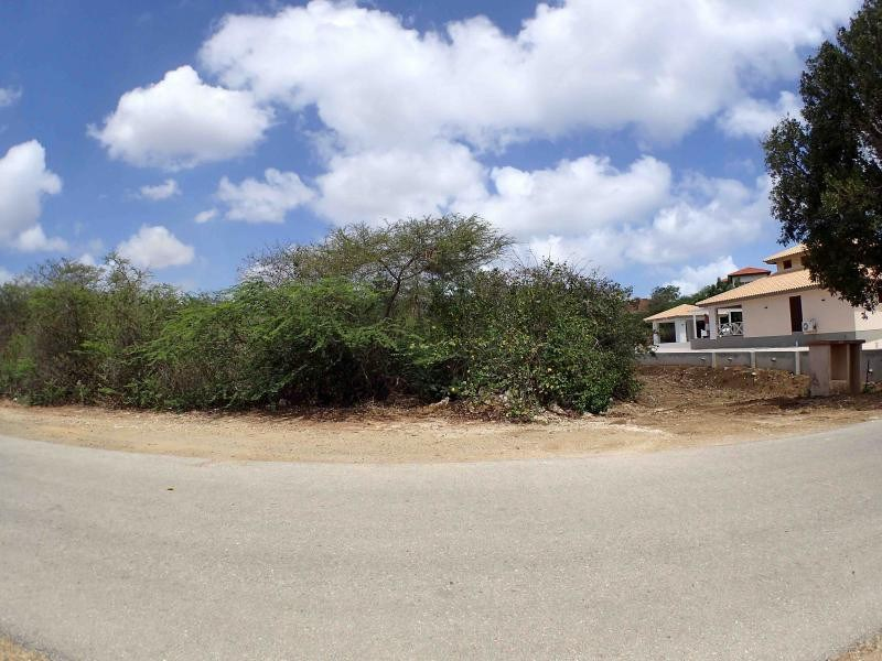 RE/MAX real estate, Curacao, Blue Bay Golf & Beach Resort, Blue Bay BK-28 - Large lot for sale to build your dreamhouse