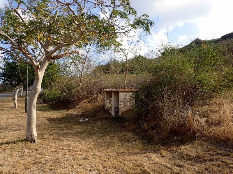 RE/MAX real estate, Curacao, Blue Bay Golf & Beach Resort, Blue Bay BT-30b - Very spacious plot on the corner and close to beach