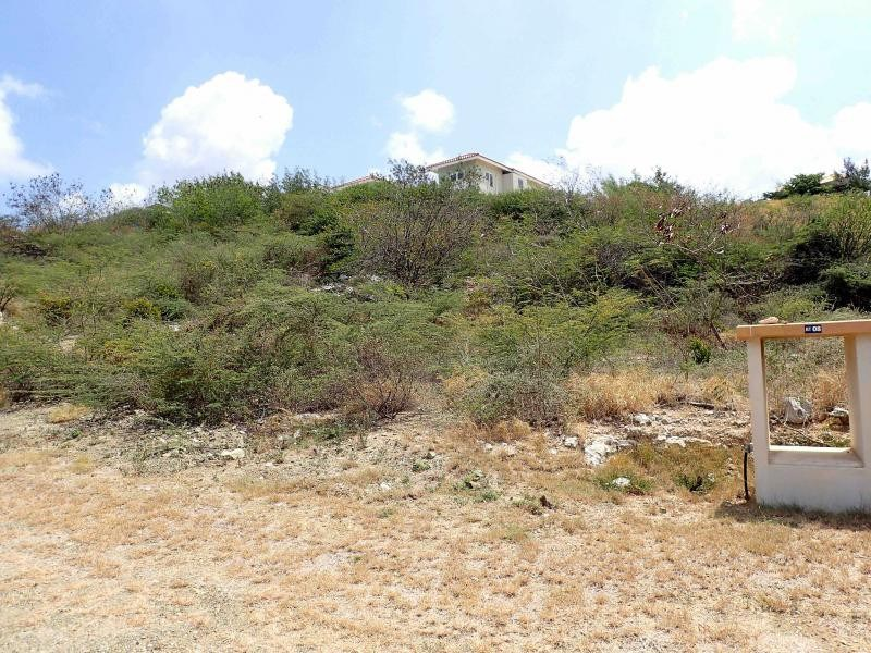 RE/MAX real estate, Curacao, Blue Bay Golf & Beach Resort, Blue Bay BT-8 - Large lot to build a house and close to the beach