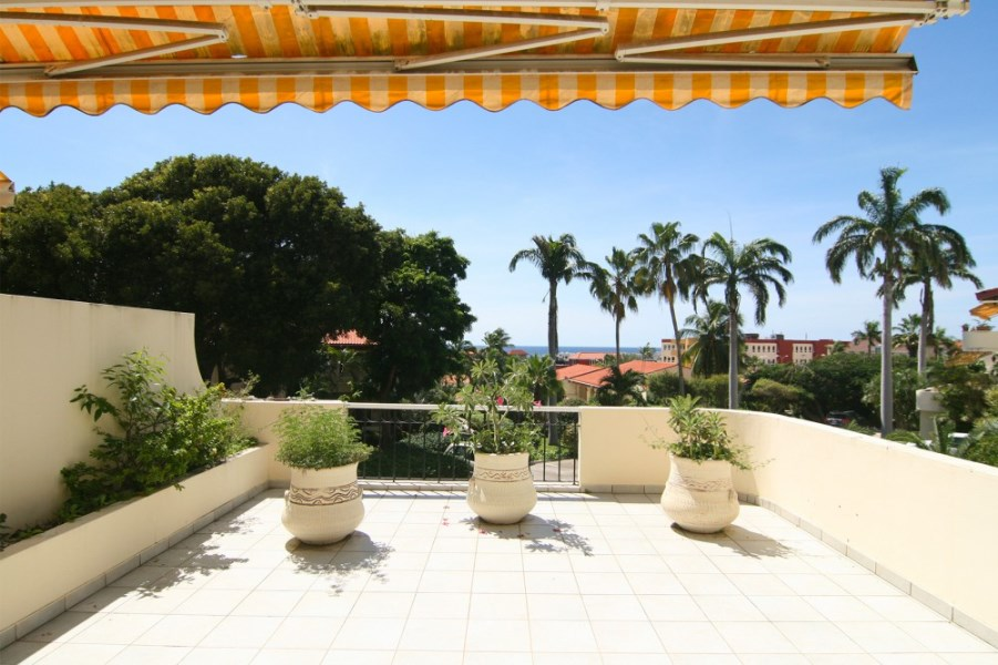 RE/MAX real estate, Curacao, Royal Palm Resort, Royal Palm Resort - Spacious apartment with sea view