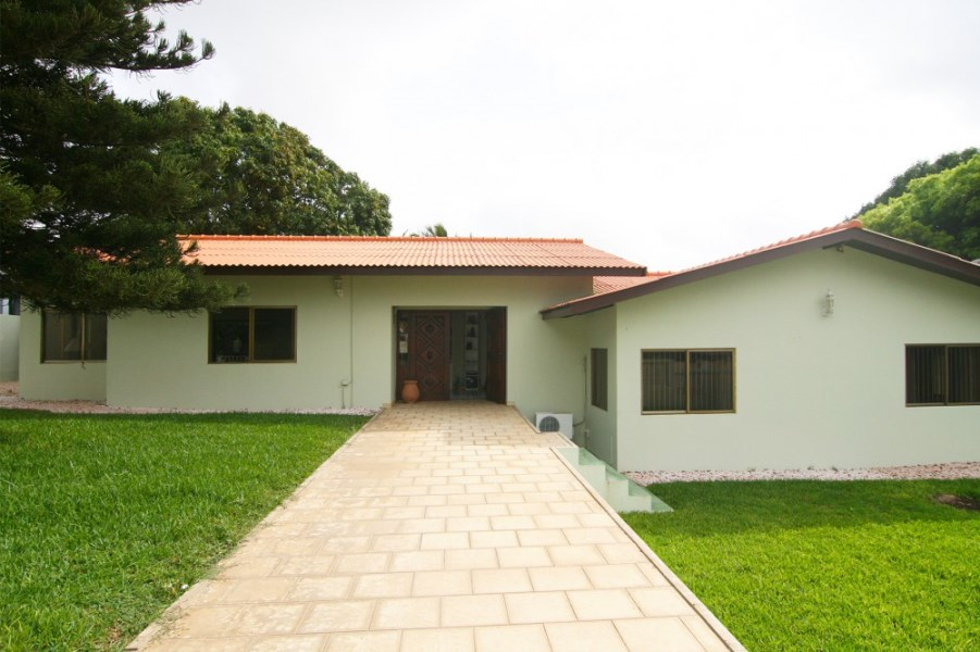 RE/MAX real estate, Curacao, Toni Kunchi, Toni Kunchi - Spacious family home for rent with apartment