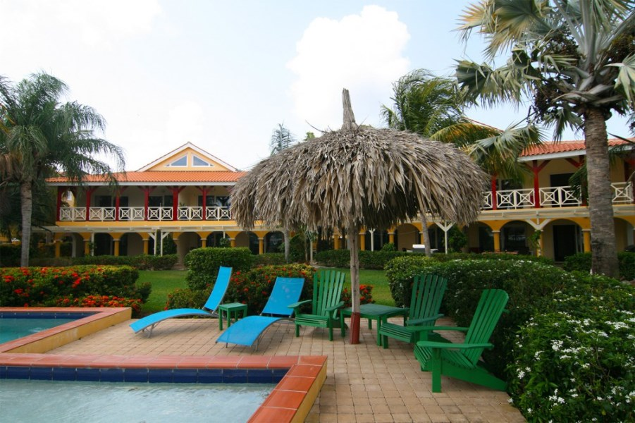 RE/MAX real estate, Curacao, Jan Thiel, Jan Thiel - On top location fully furnished apartment on gated resort