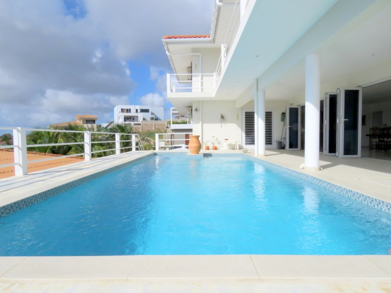 RE/MAX real estate, Curacao, Brakkeput Abou, Design villa with amazing view over the Spanish Water & Caracas Bay