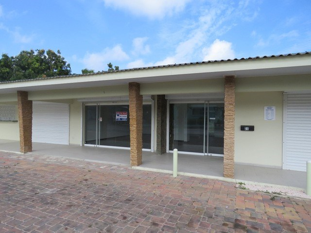 RE/MAX real estate, Curacao, Salinja, Office/retail space directly at the Dr. Maalweg for rent