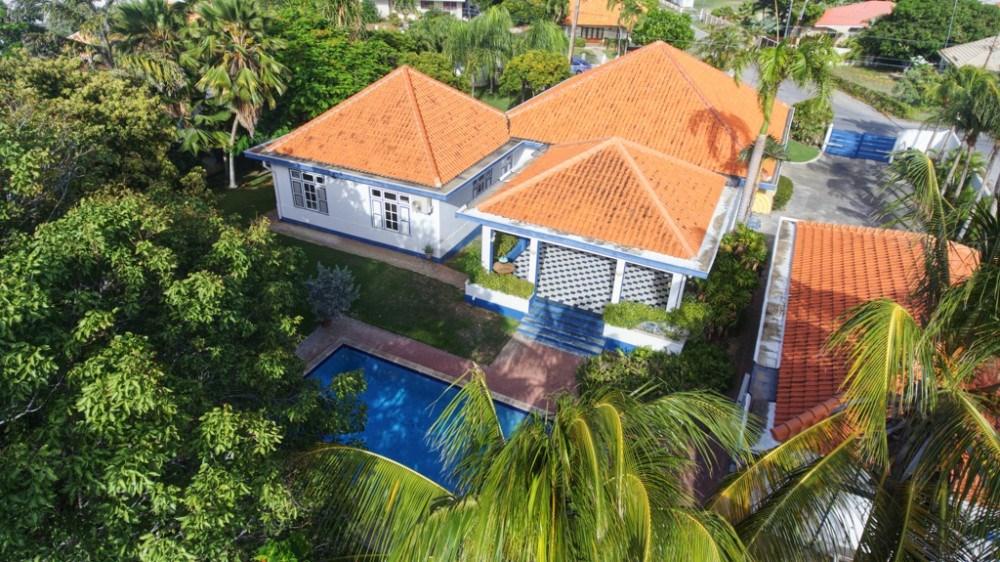 RE/MAX real estate, Curacao, Van Engelen, Van Engelen - Beautiful classic villa in upscale area for sale