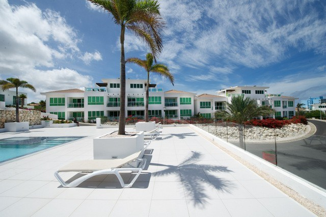 RE/MAX real estate, Curacao, Piscadera, 2-bedroom apartment with gorgeous view in Piscadera Harbour Village