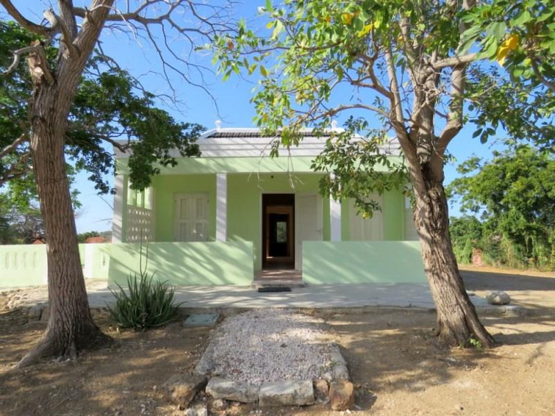 RE/MAX real estate, Curacao, Kwartje, Kwartje - Pretty, classic, restored monument + 3930m2 development land