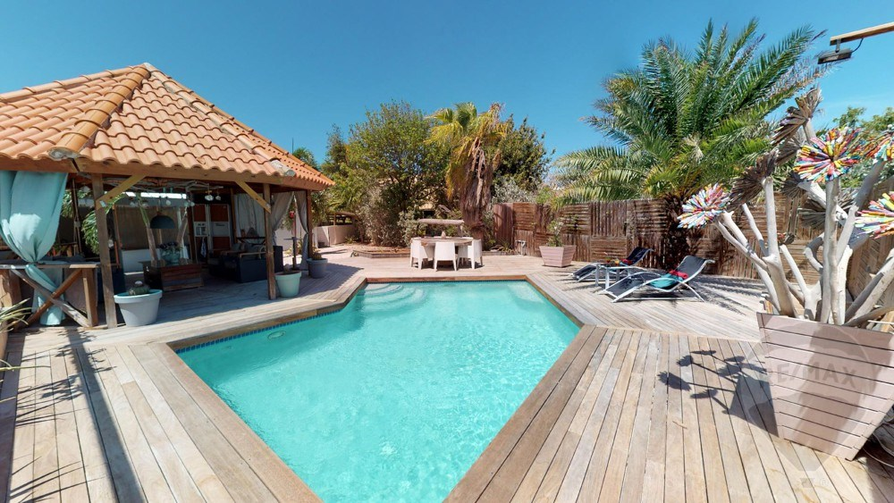 RE/MAX real estate, Curacao, Santa Catharina, St Catharina - Fairy-tale 3-bedroom house with swimming pool