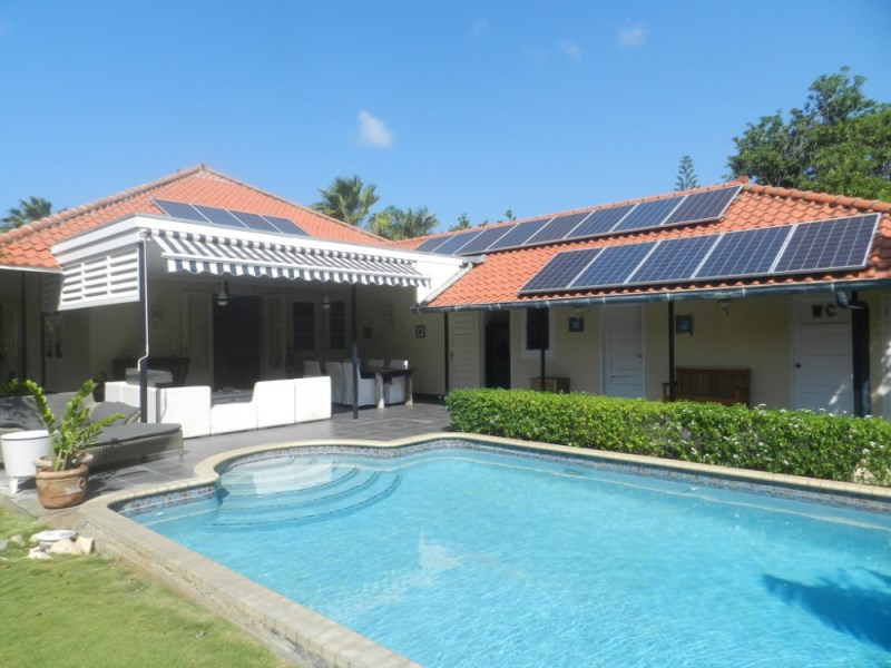 RE/MAX real estate, Curacao, Emmastad, Emmastad - Beautiful villa with 3 bedrooms for rent