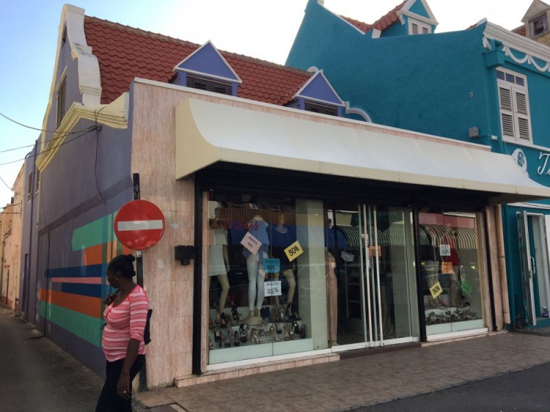 RE/MAX real estate, Curacao, Otrobanda, Otrobanda - Momumental building for sale