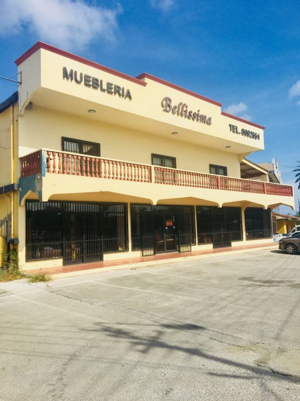 RE/MAX real estate, Curacao, Veeris, Veeris - Commercial building for Rent close to Sambil