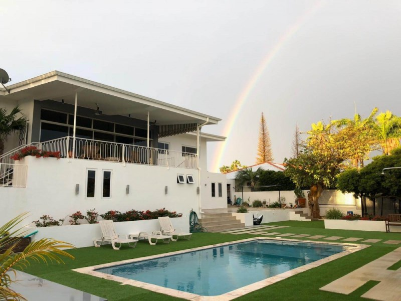RE/MAX real estate, Curacao, Rooi Catootje, Rooi Catootje - Contemporary family house with swimming pool for sale
