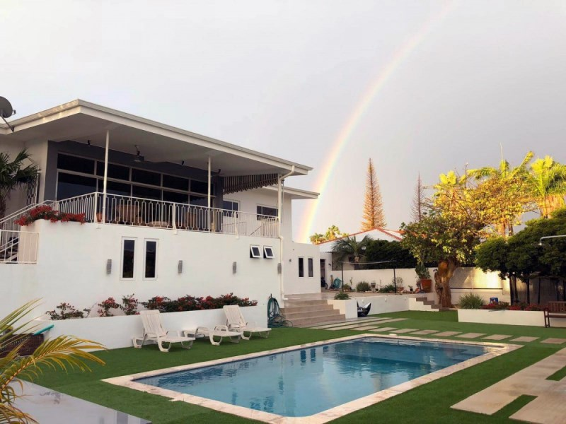 RE/MAX real estate, Curacao, Rooi Catootje, Rooi Catootje - Contemporary family house with swimming pool for rent