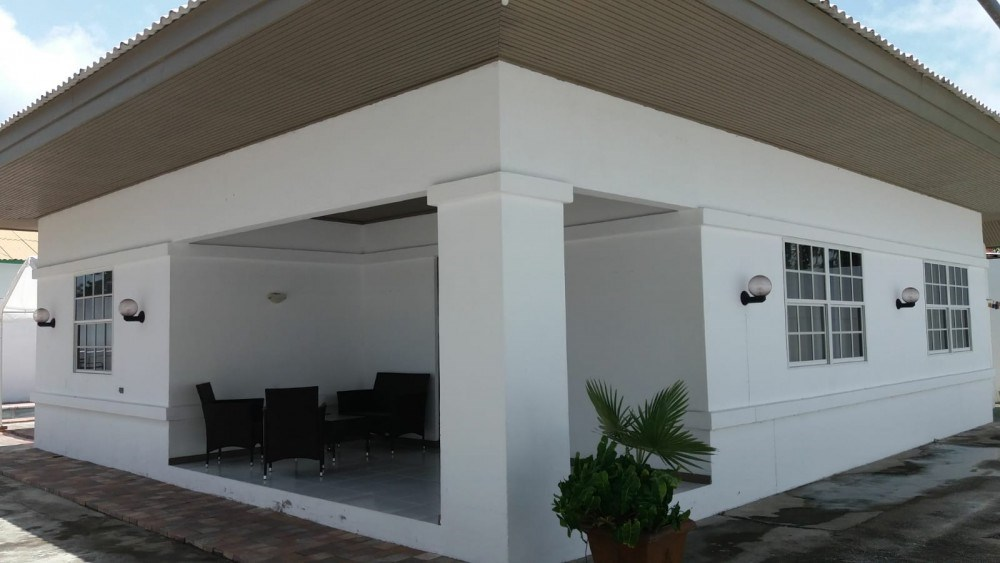 RE/MAX real estate, Curacao, Emmastad, Emmastad - Beautiful & very central home in a quiet neighborhood