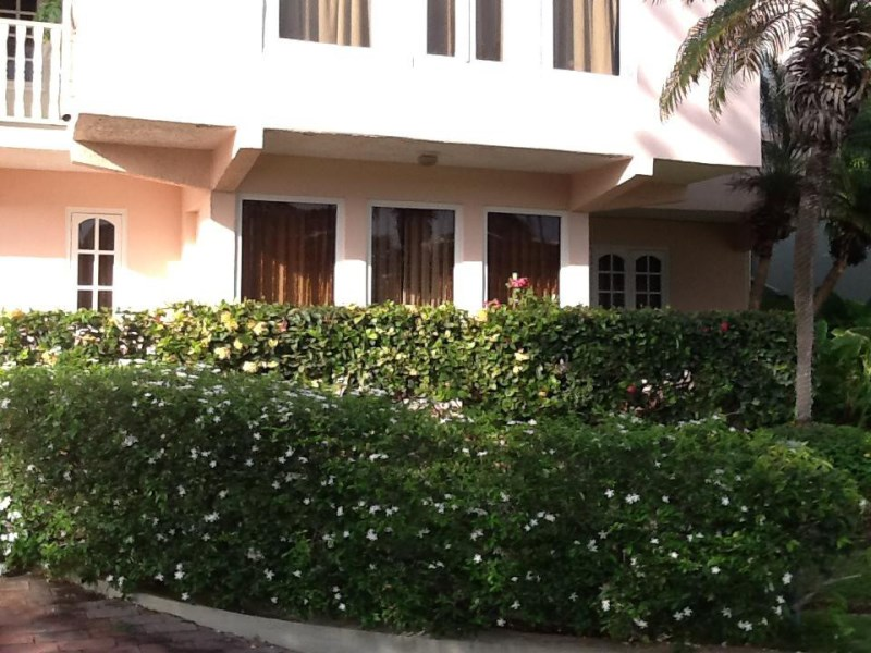 RE/MAX real estate, Curacao, Rooi Catootje, Rooi Catootje - Classic and central one bedroom apartment