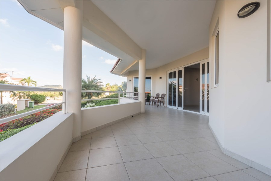 RE/MAX real estate, Curacao, Abrahams, Curacao - Royal Palm Resort - Luxurious 4 bedroom apartment for sale