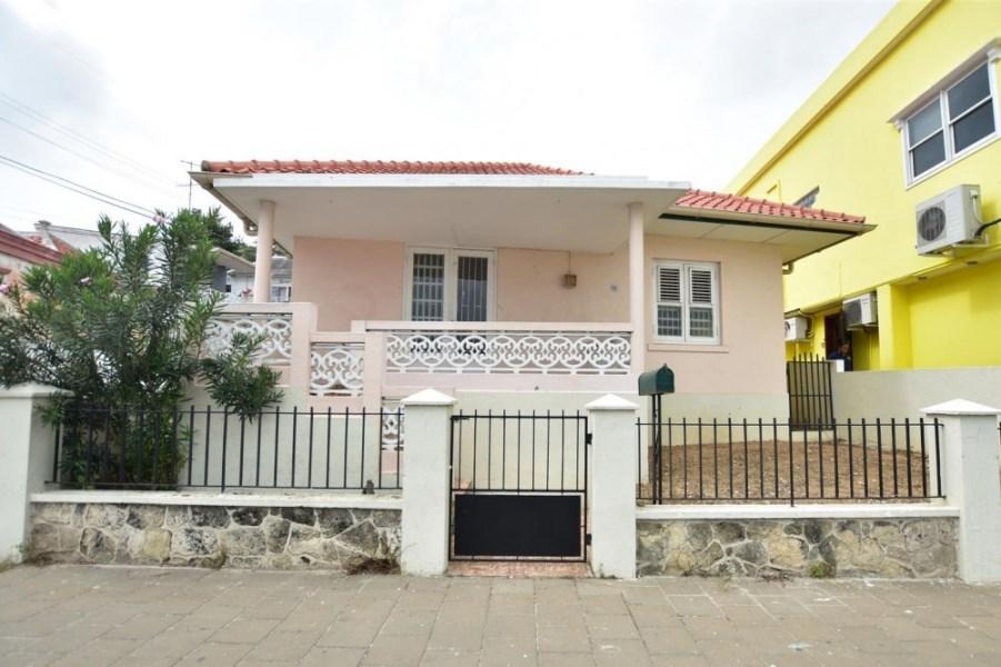RE/MAX real estate, Curacao, Otrabanda, Otrobanda Roodeweg – Near new Hospital and opposite Fire Station