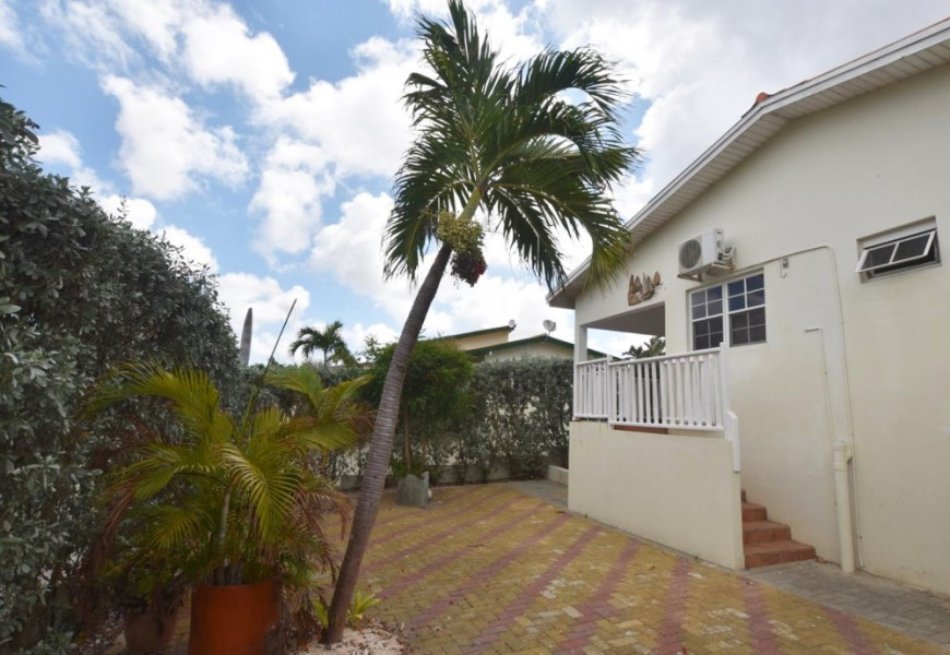 RE/MAX real estate, Curacao, Jan Thiel, Jan Thiel - Lagunisol -  4 bedroom home in resort with swimming pool