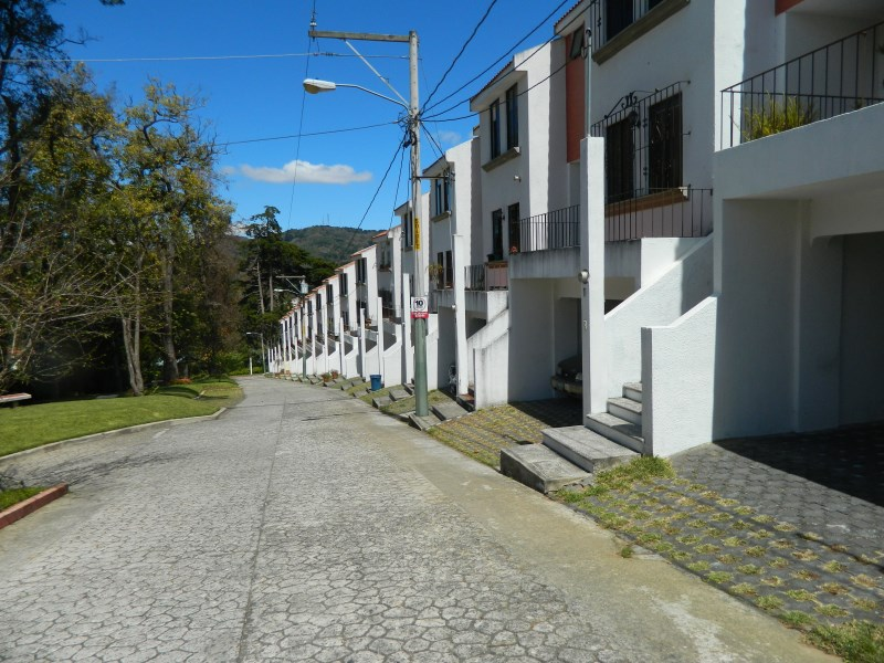 Remax real estate, Guatemala, San Lucas Sacatepéquez, 4621 HOUSE FOR SALE IN GATED COMMUNITY IN SAN LUCAS
