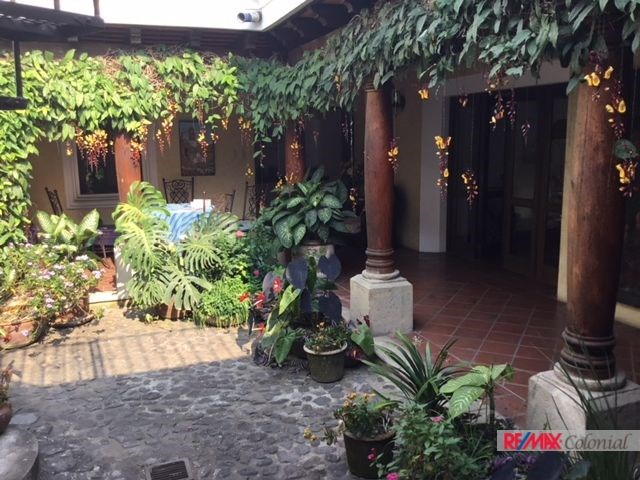Remax real estate, Guatemala, La Antigua Guatemala, 4652 COLONIAL HOUSE FOR RENT IN THE CENTER OF ANTIGUA