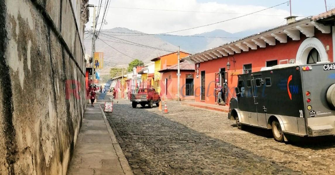 Remax real estate, Guatemala, La Antigua Guatemala, 5128 PROPERTY TO REMODEL IN THE CENTER OF ANTIGUA