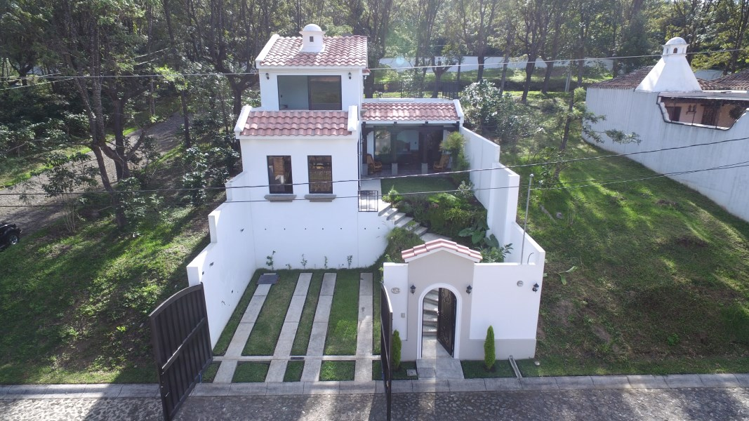 Remax real estate, Guatemala, Alotenango, 5094 BEAUTIFUL HOUSE FOR SALE IN ANTIGUA GARDENSx