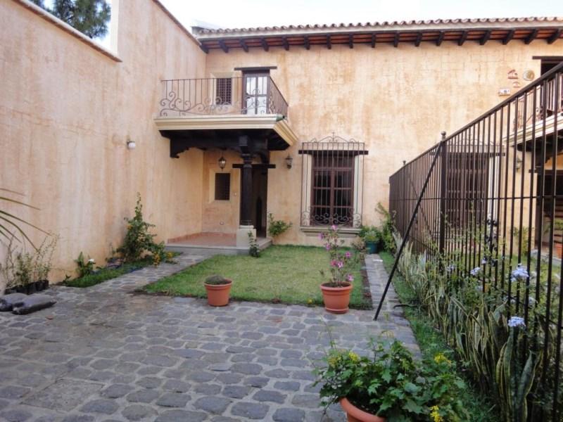 Remax real estate, Guatemala, La Antigua Guatemala, 2916 HOUSE FOR RENT IN PLAZUELA DEL CONQUISTADOR – ANTIGUA GUATEMALA