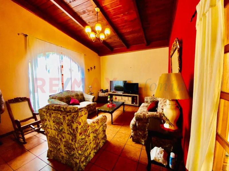 Remax real estate, Guatemala, La Antigua Guatemala, 5176 CASA CON ESPECTACULAR UBICACIÓN DENTRO DEL CASCO URBANO