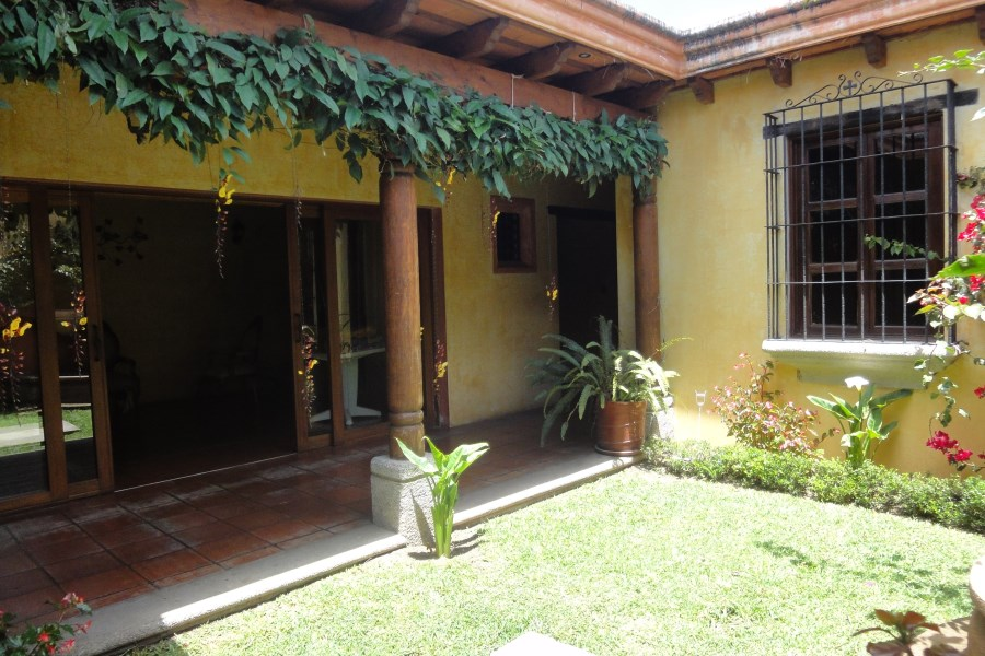 Remax real estate, Guatemala, La Antigua Guatemala, HOUSE FOR RENT IN VILLAS DEL COMENDADOR - ANTIGUA GUATEMALA