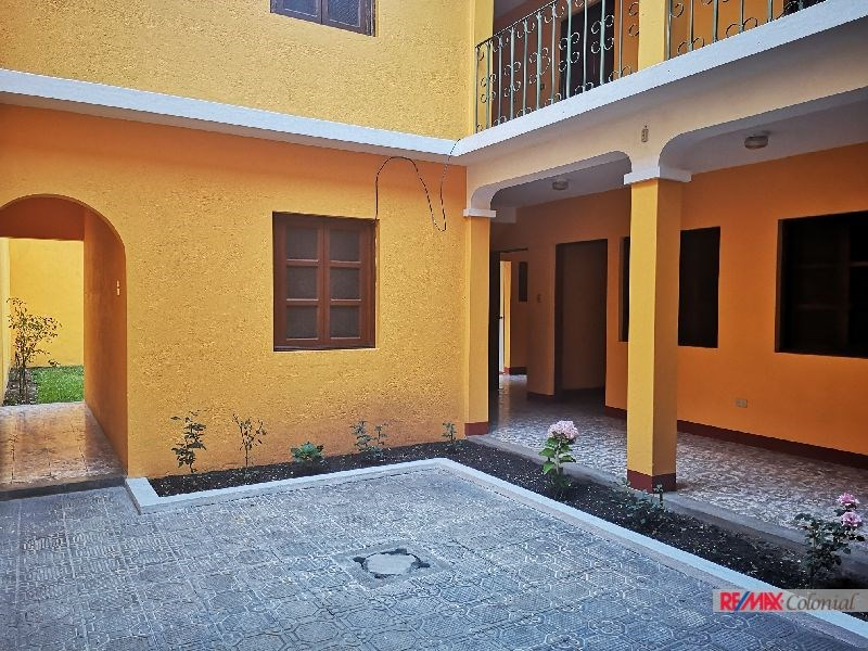 Remax real estate, Guatemala, La Antigua Guatemala, 4986 HOUSE FOR SALE IN THE HISTORICAL CENTER OF ANTIGUA GUATEMALA