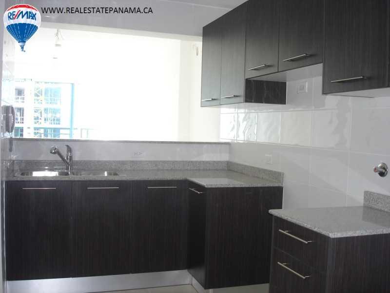 Remax real estate, Panama, Panamá - Edison Park, Panama City 2 bedroom - Belview 400