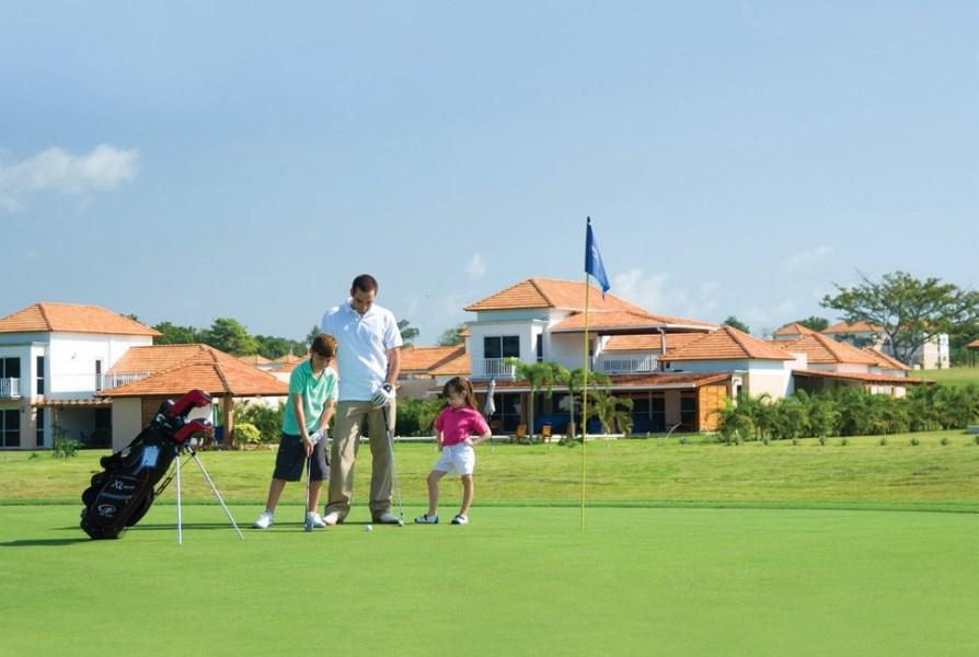 Remax real estate, Panama, Anton - El Farallon, Beach - Golf Villa - Panama $249,000