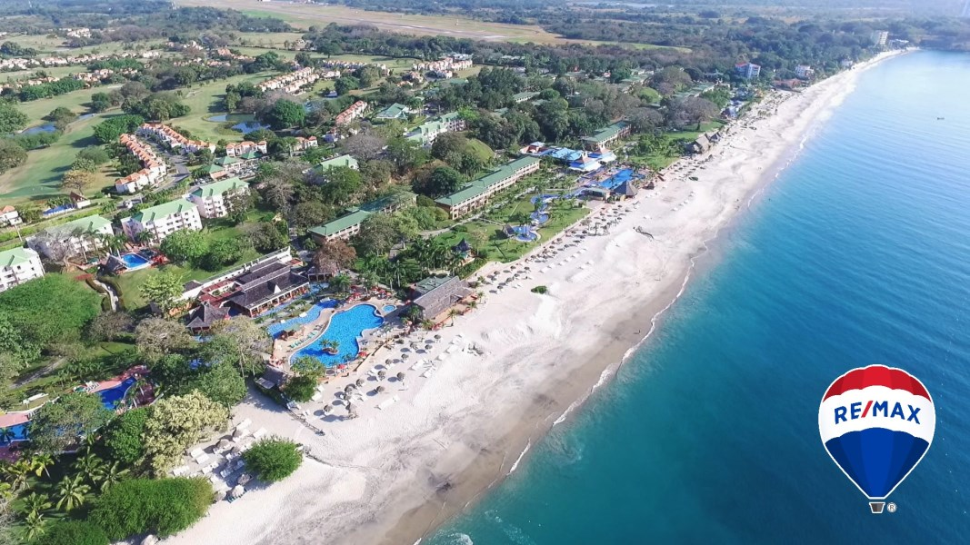 Remax real estate, Panama, Playas, Royal Decameron Resort - Golf Villa with Private Pool