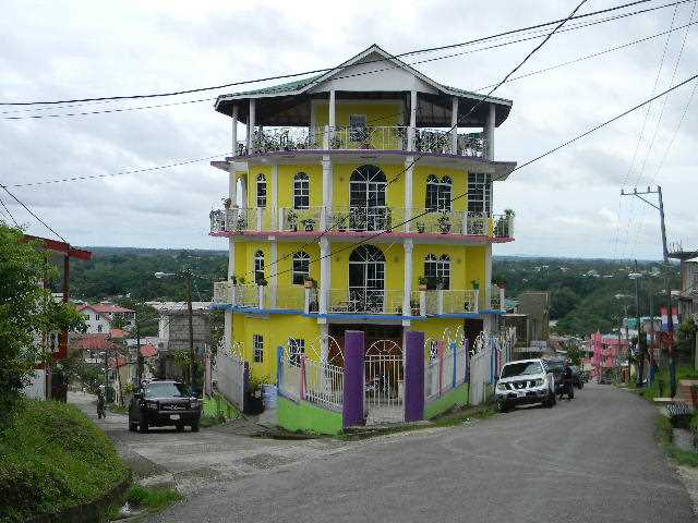 RE/MAX real estate, Belize, San Ignacio, # 2031 – 6 BEDROOM HOUSE NEAR TOWN CENTRE – Cayo, Belize