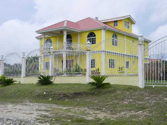 Remax real estate, Belize, San Ignacio, # 2048 - SIX (6) BEDROOM HOUSE - SAN IGNACIO TOWN, CAYO